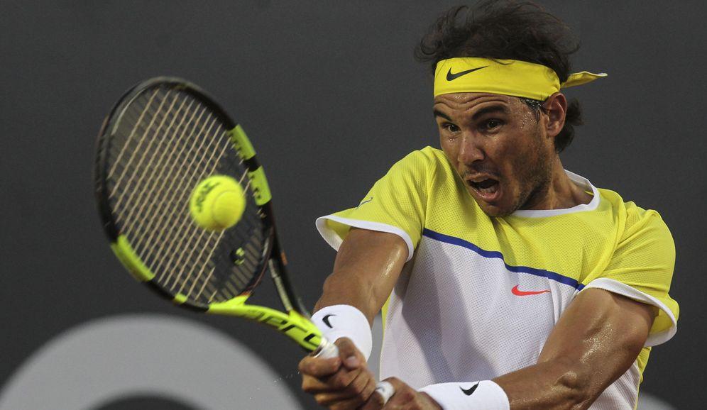 Foto: Rafa Nadal recupera el cordaje de antaño para mejorar sus prestaciones (EFE)