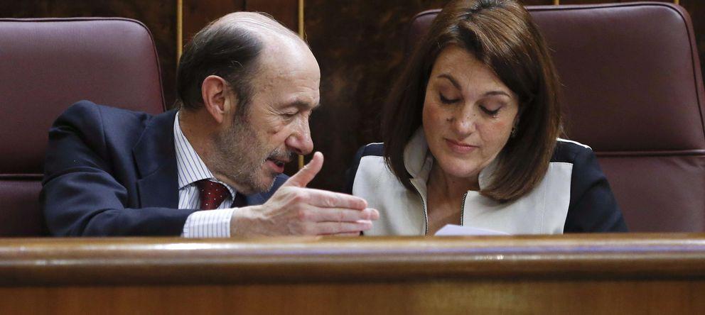 Foto: Rubalcaba conversa con la portavoz del partido en el Congreso, Soraya Rodríguez
