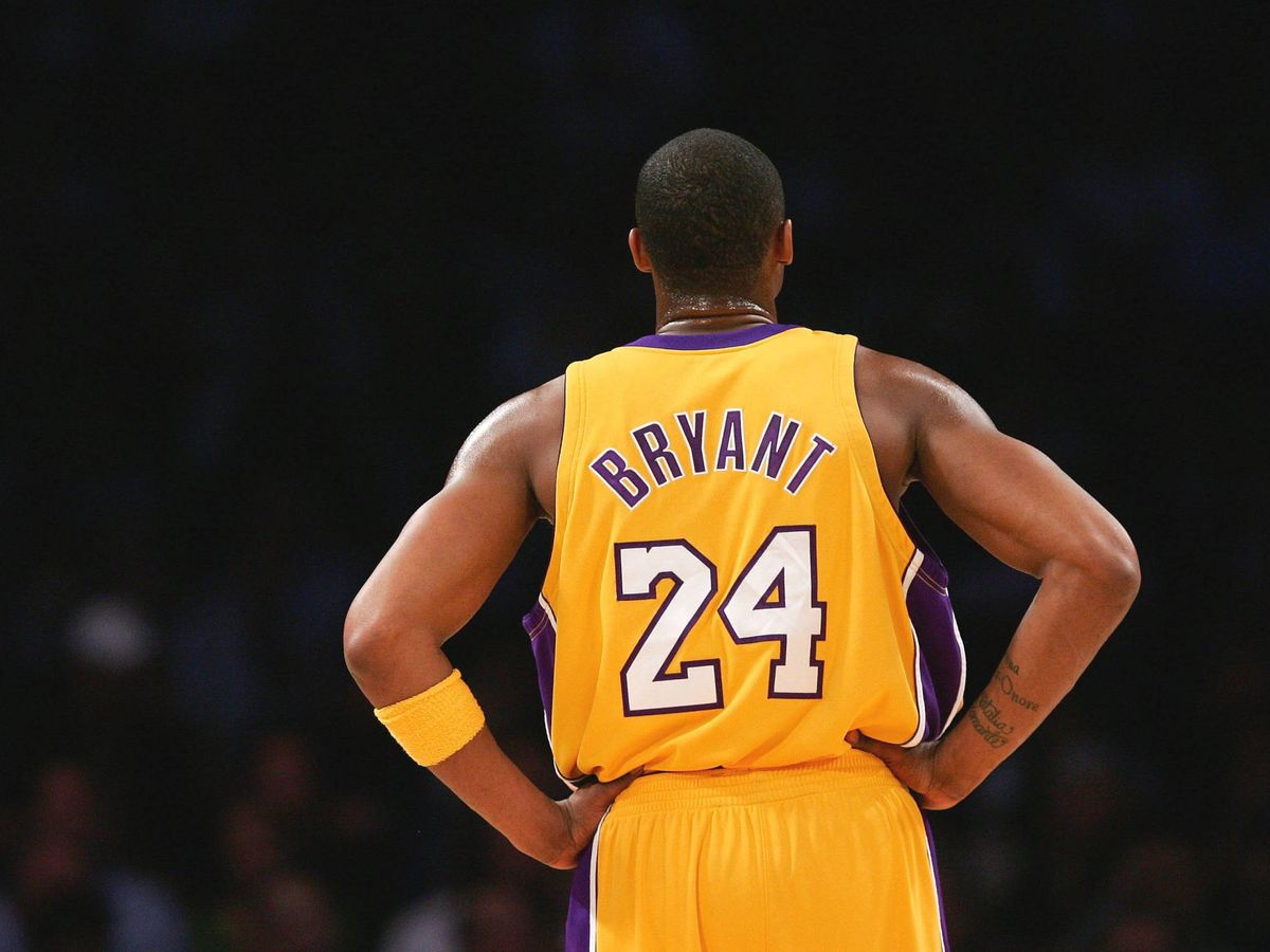 Foto:  Kobe Bryant, con la camiseta de los Lakers. (Getty)