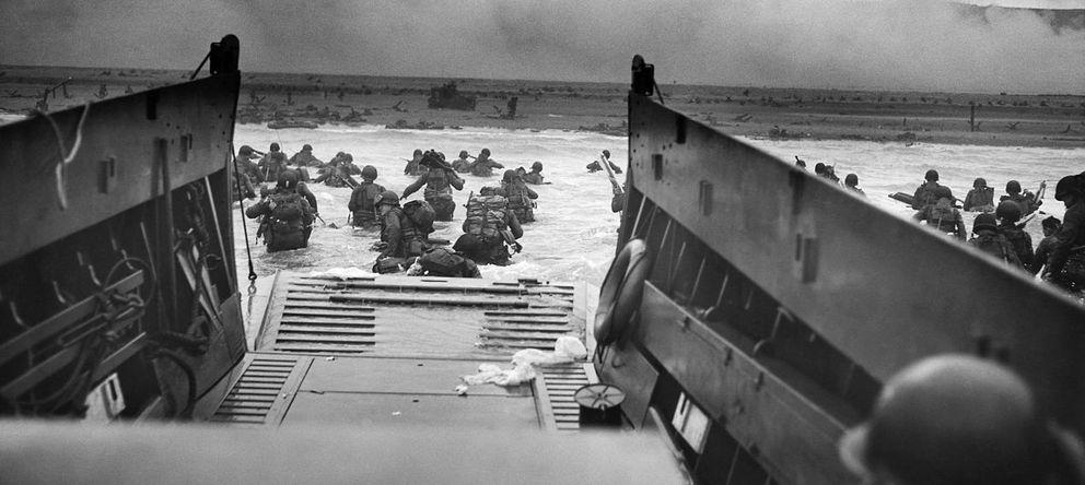 Foto: Imagen en primera persona del desembarco de Normandía. (Robert F. Sargent)