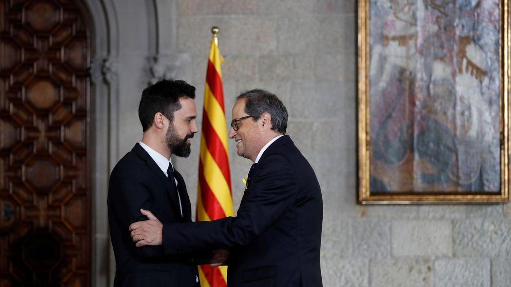 Foto: El presidente de la Generalitat, Quim Torra (d), y el presidente del Parlament, Roger Torrent. (EFE)
