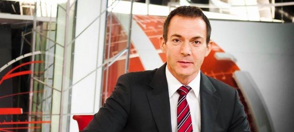 Foto: El presentador Hilario Pino en una imagen promocional de Noticias Cuatro