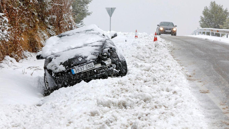 Nieve, hielo y... llamar al seguro: 6 claves para reclamar los daños sufridos por el temporal