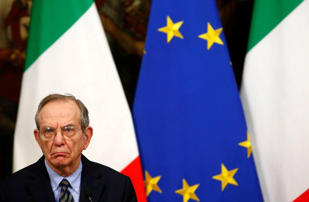 Foto: El ministro de Economía de Italia, Pier Carlo Padoan, durante una rueda de prensa, en Roma, el 28 de noviembre de 2016. (Reuters)