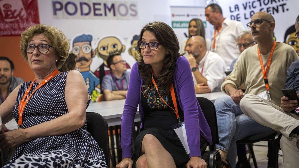 Foto: Mónica Oltra sigue el escrutinio en el cuartel general de Compromís. (EFE)