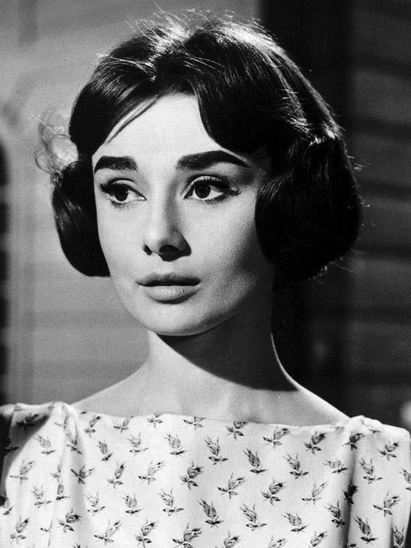 Audrey Hepburn, con el corte de pelo Arianne en 'Love in the Afternoon'.