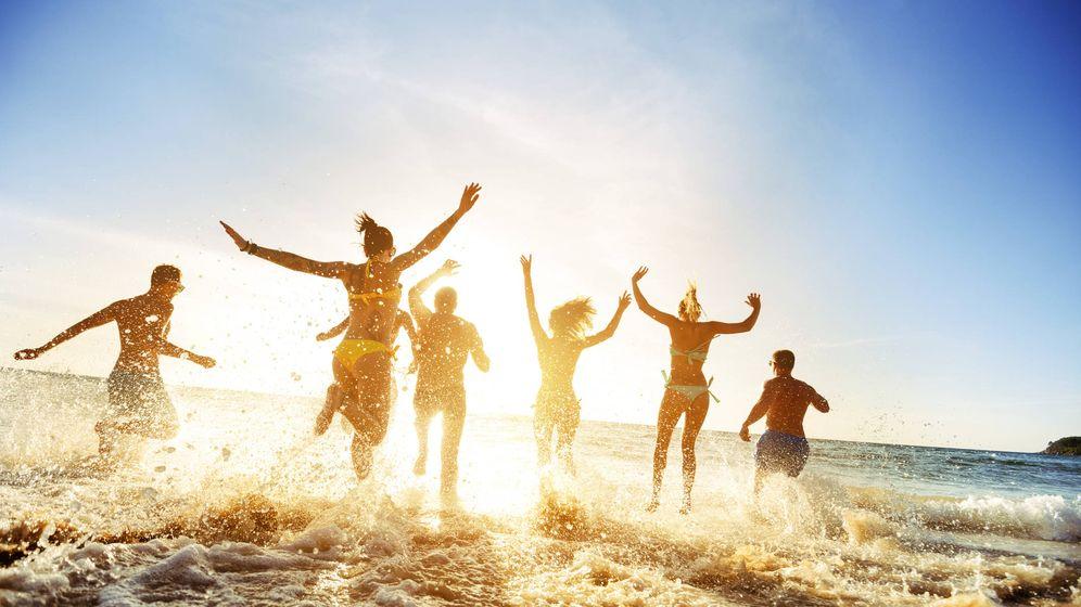 Foto: ¿Es mejor pasar una o dos semanas en la playa? (iStock)