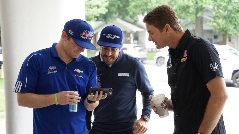Foto: El día que Fernando Alonso dio una clase en un instituto de Indianápolis