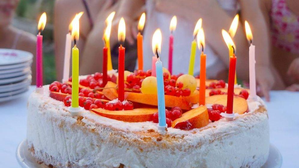 Foto: ¿Qué mejor que una buena felicitación de cumpleaños para soplar las velas de esta tarta? (CC)