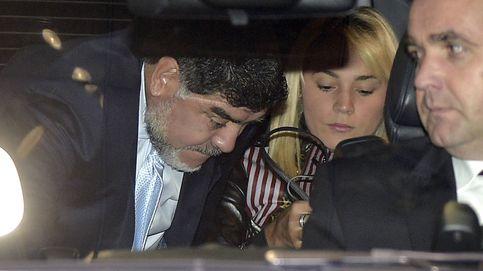 La sucia guerra de las hijas de Maradona con su mujer, Rocío Oliva