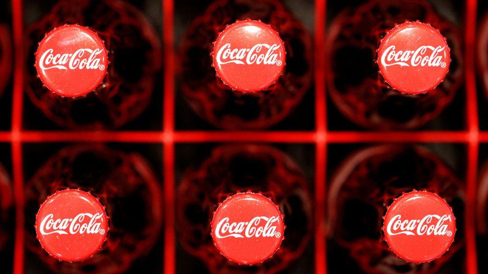 Foto: Botellas de Coca-Cola, en horizontal. (EFE)