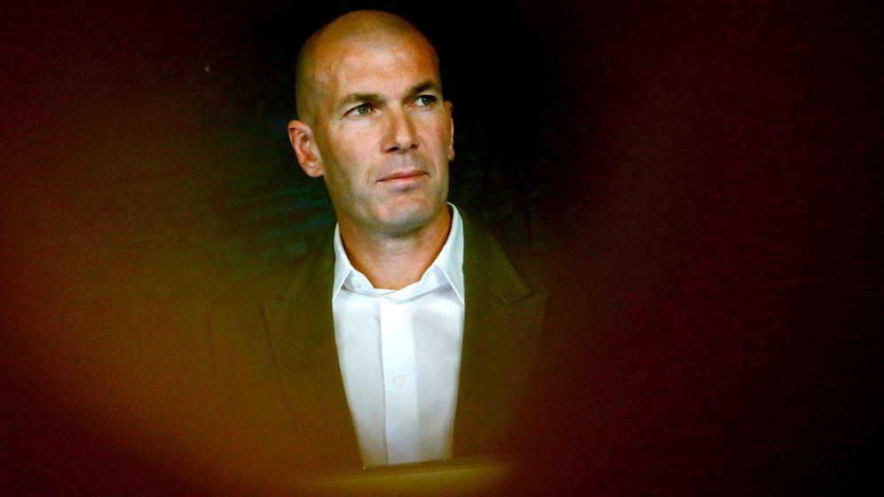 Foto: Zinedine Zidane, en un momento de reflexión. (Reuters)