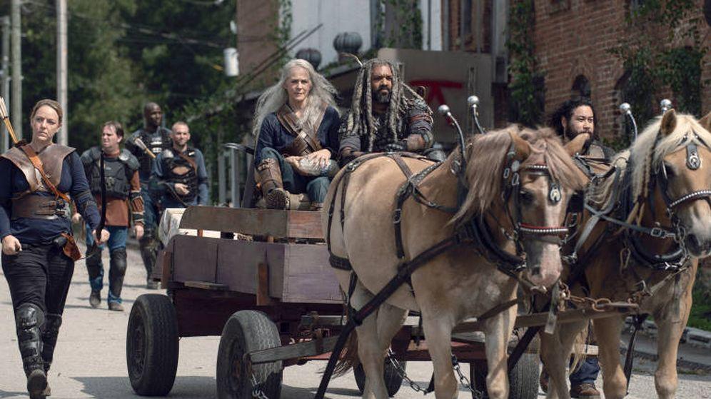 Foto: Melissa McBride y Khary Payton en los nuevos capítulos de 'The Walking Dead'. (AMC)
