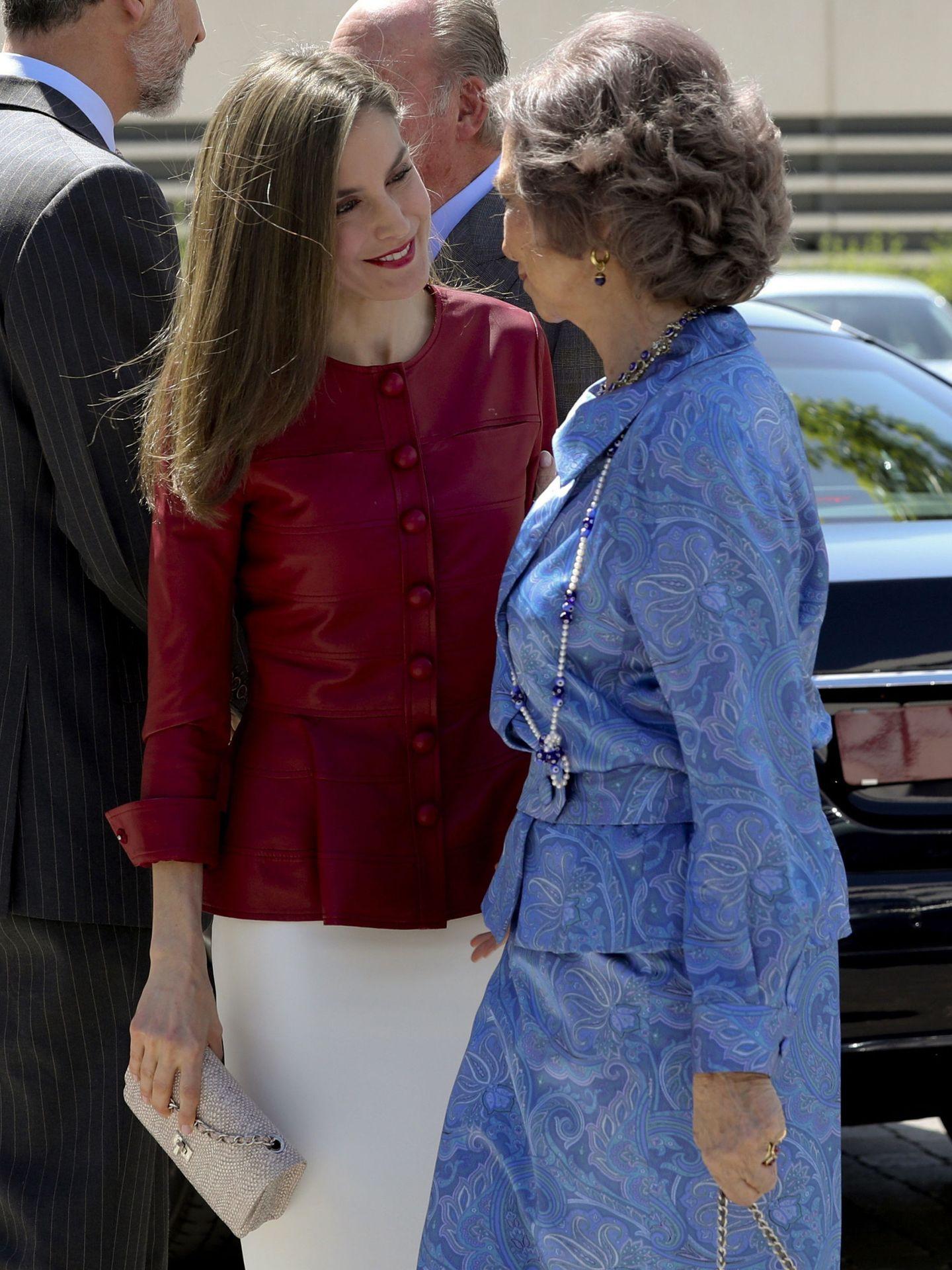 La reina Letizia, junto a la reina Sofía. (EFE)