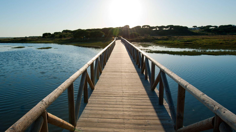 La pasarela que te llevará a este paraíso natural. (Foto: Hotel Fuerte El Rompido)