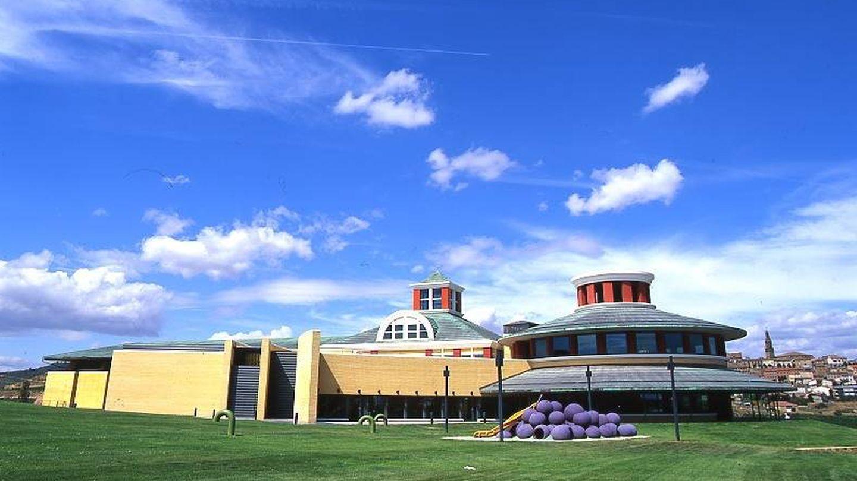 El Museo del Vino de las bodegas Vivanco (La Rioja) utiliza el tren para exportación. (Mundiver)