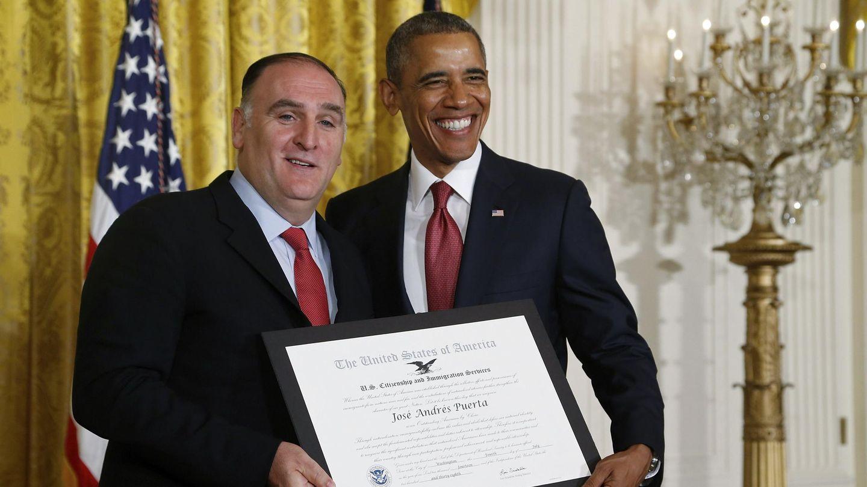 José Andrés, junto al presidente Obama. (Reuters)
