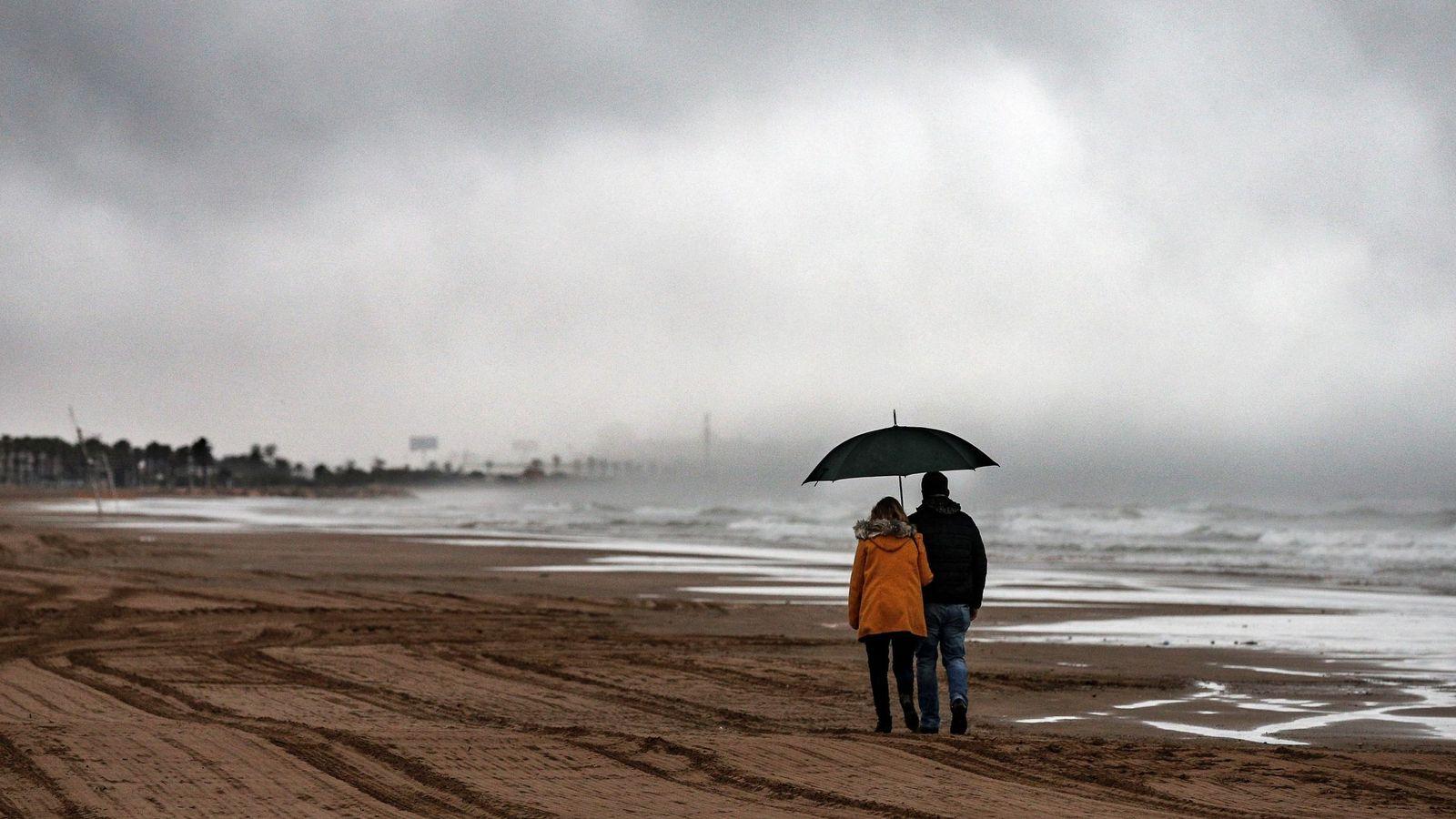 Foto: Semana Santa pasada por agua en buena parte de España. (EFE)