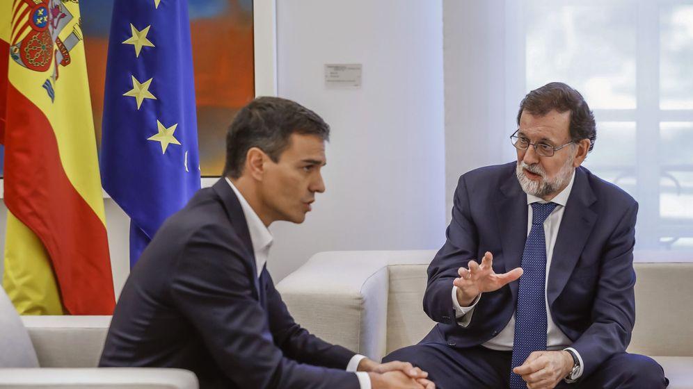 Foto: Rajoy, con Sánchez, en La Moncloa. (EFE)