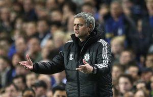 Mourinho insiste en Diego Costa y también pide a Filipe Luis y Varane
