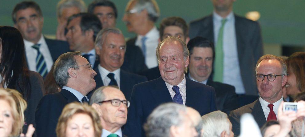 El Rey preside un palco muy 'popular' con Aznar, Botella, González y Cifuentes