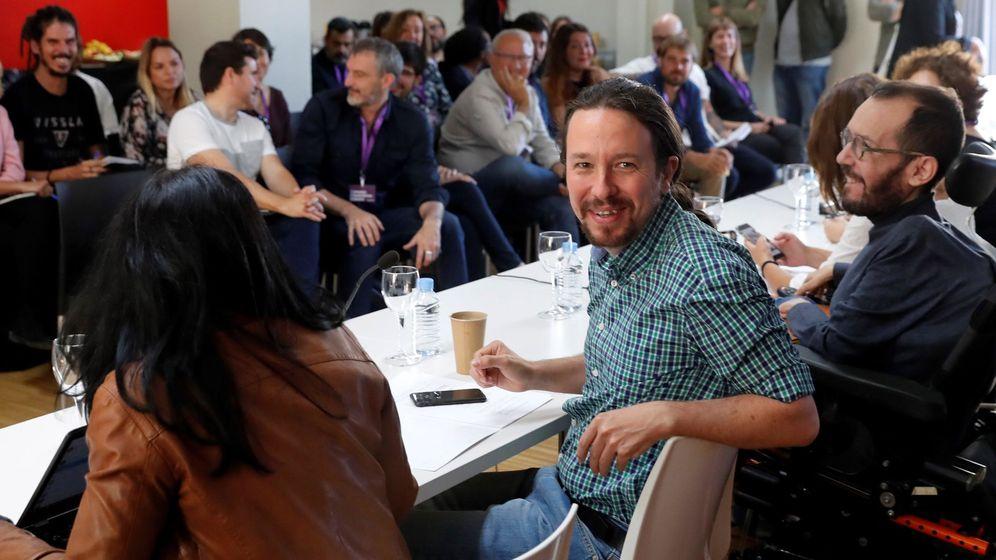 Foto: Partidos podemosEl líder de Podemos Pablo Iglesias, y Pablo Echenique, secretario de organización de Podemos, en el Consejo Ciudadano Estatal de Podemos este sábado. (EFE)