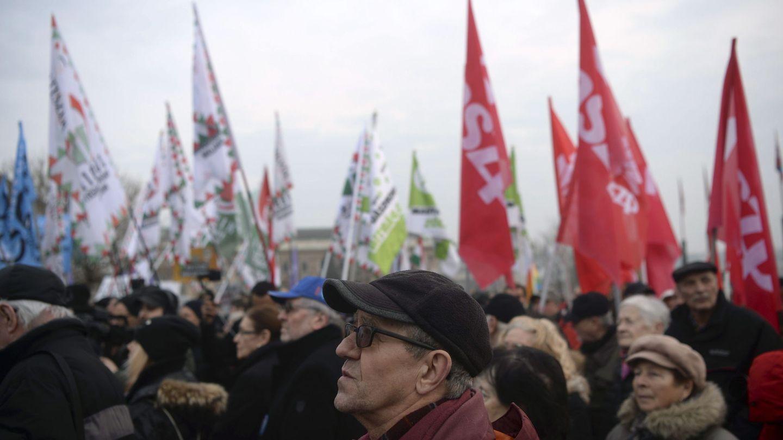 Protestas contra Orbán en Budapest, este domingo. (EFE)