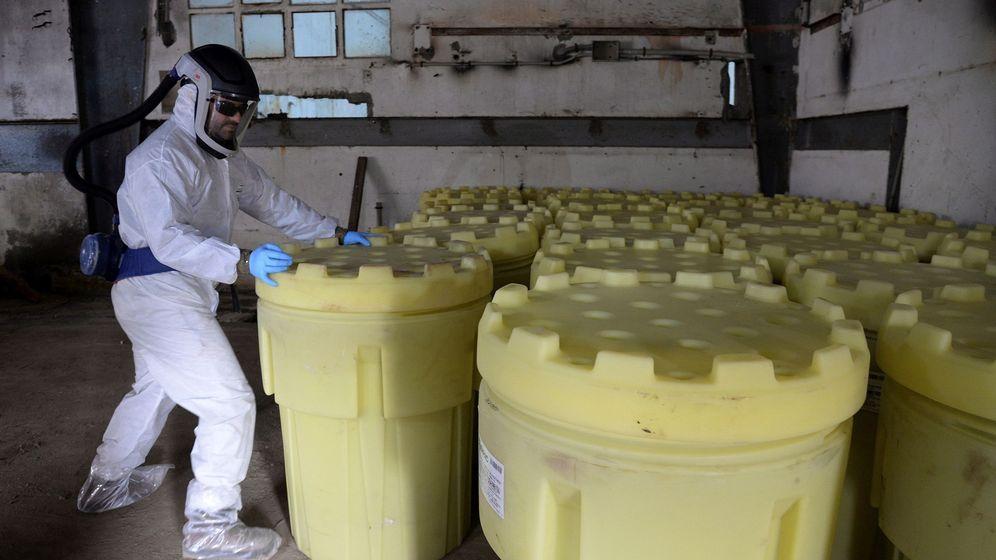 Foto: Encapsulado de residuos de lindano en la antigua fábrica de Inquinosa en Sabiñánigo (Huesca). (EFE)