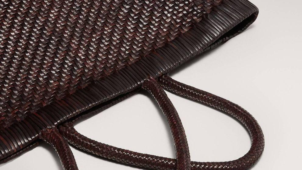 El bolso de piel de 300 euros de Massimo Dutti se convertirá en tu objeto de deseo