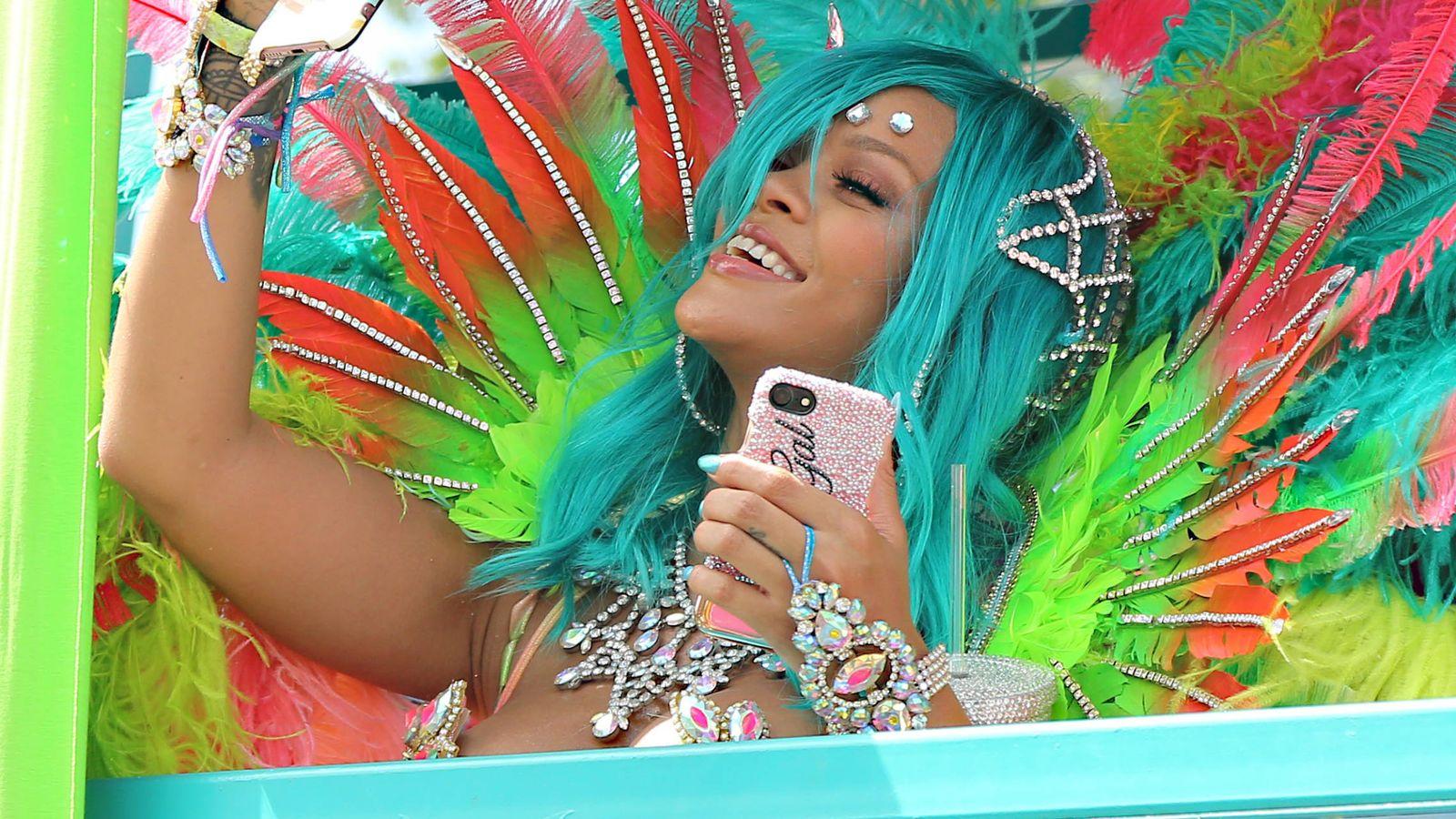 Foto: Rihanna en los carnavales de Barbados. (Reuters)