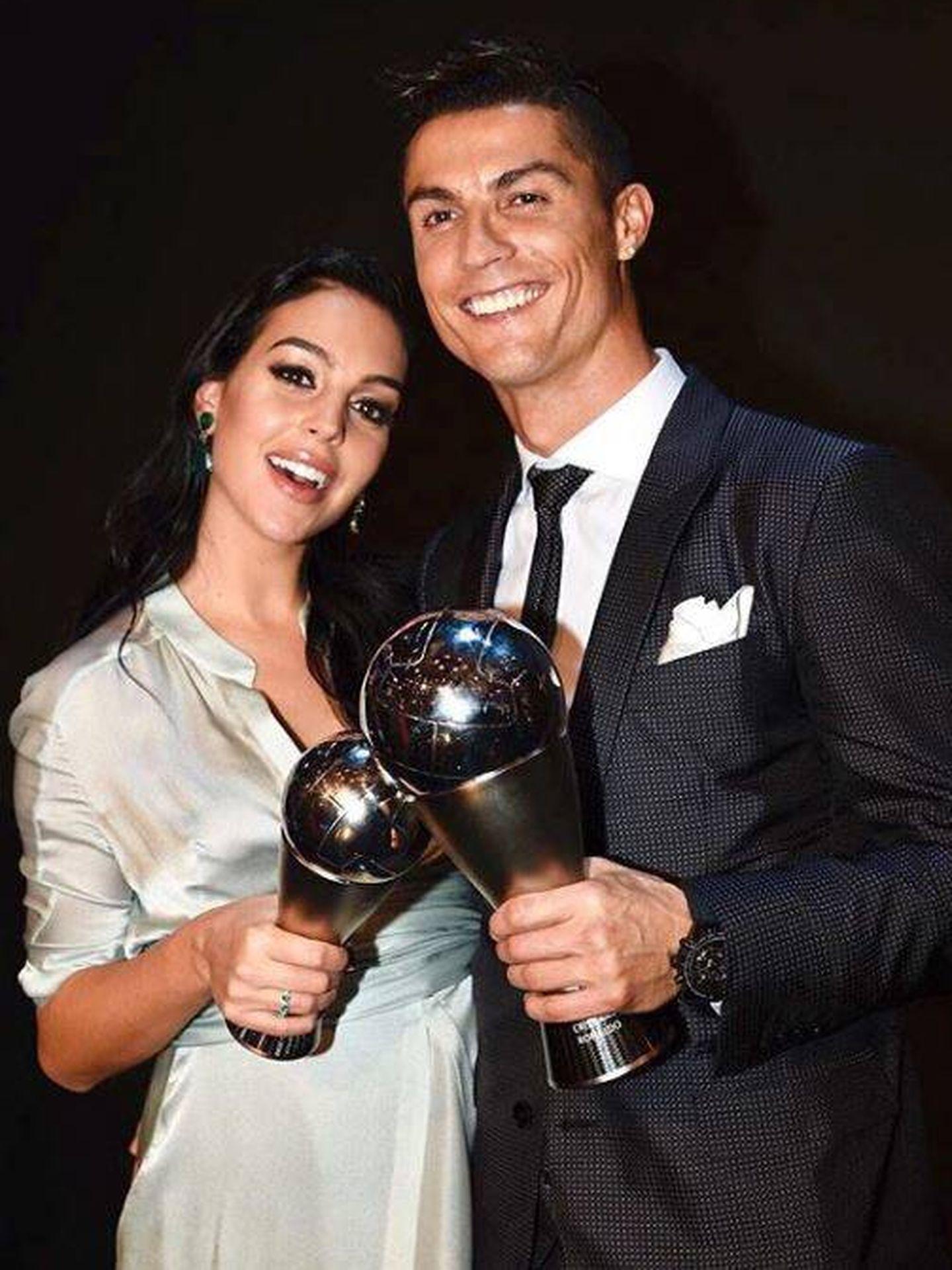 Georgina Rodríguez y Cristiano Ronaldo. (Instagram)