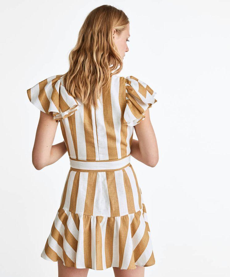 Foto: Este es el vestido de Uterqüe que ambas celebs comparten. (Cortesía)
