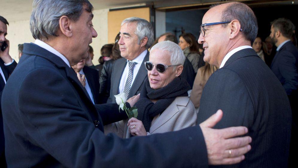 Foto: Ana Magaldi en el funeral del fiscal superior de Cataluña, José María Romero de Tejada. (EFE)