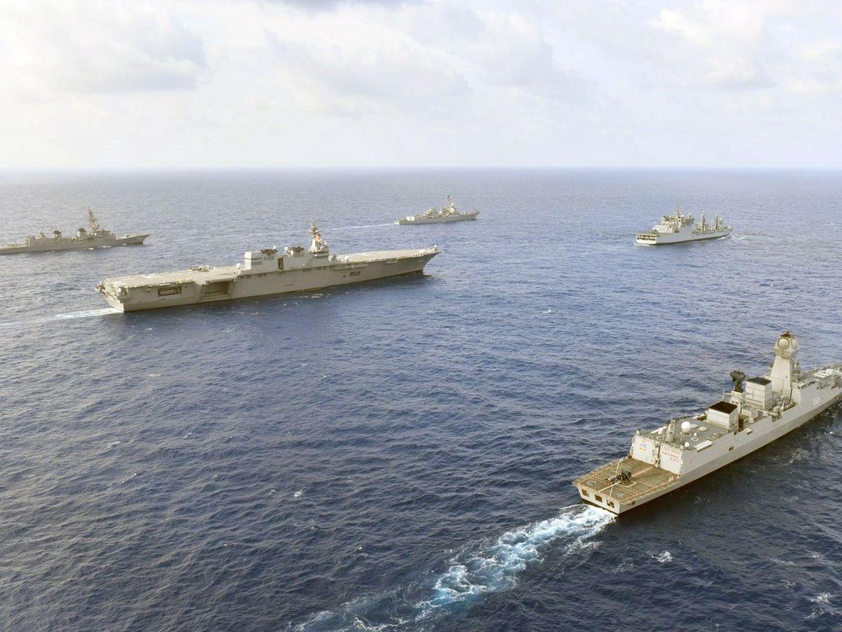 Foto: Barcos de cuatro naciones en las aguas del Mar de China Meridional. (EFE)