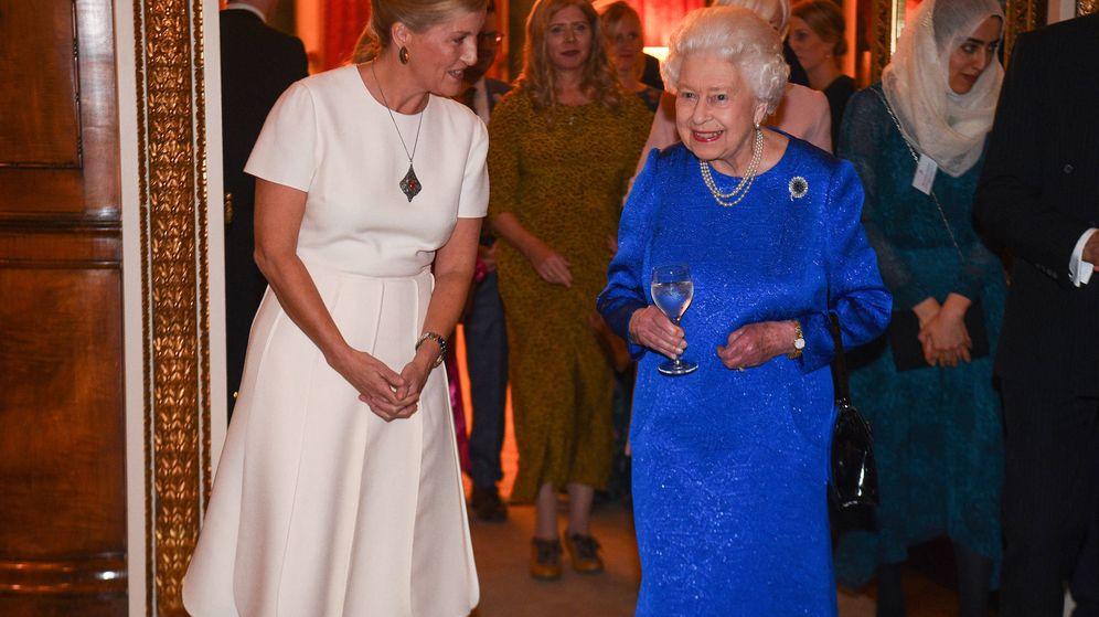 Foto: La reina Isabel y Sophie de Wessex, en una imagen de archivo. (Getty)