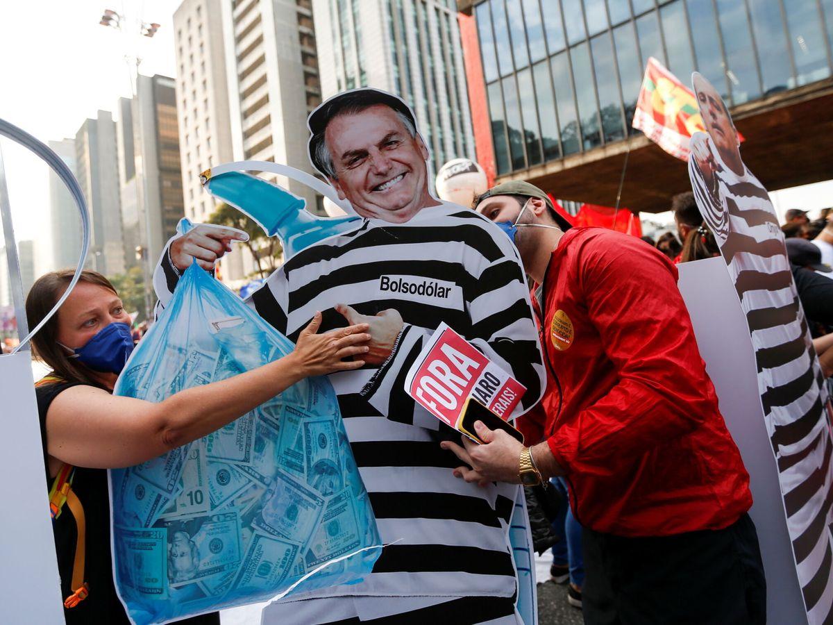 Foto: Protesta contra Jair Bolsonaro en Sao Paulo. (Reuters)