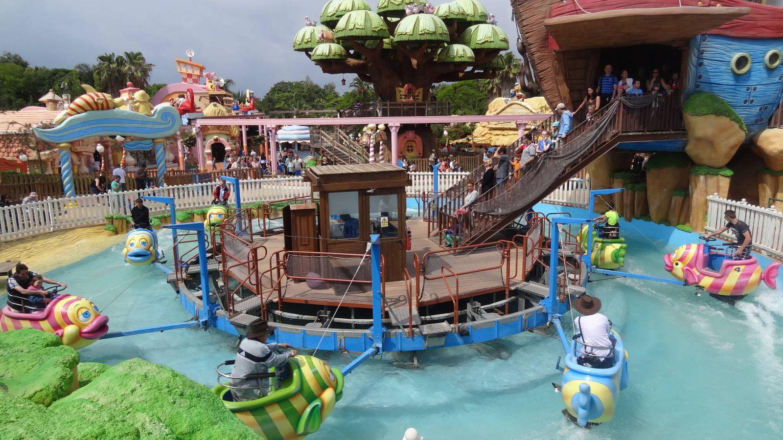Vacaciones de port aventura al hotel del juguete alojamientos para ni os este verano viajes - Hotel piscina toboganes para ninos ...