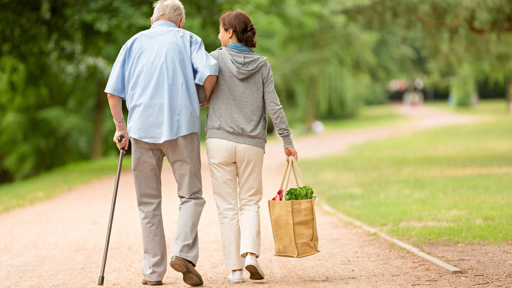 Foto: Las abuelas saben comprar. (iStock)