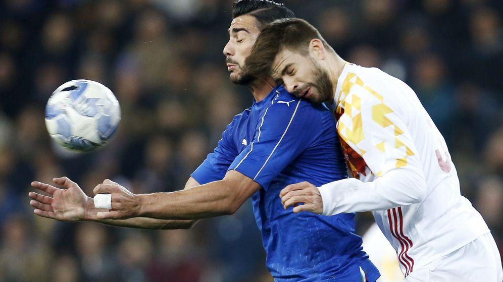 Foto: Piqué se volverá a medir con Pellè. (Alessandro Garofalo/Reuters)