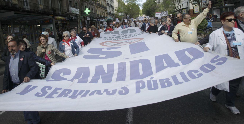 Manifestación de la marea blanca a favor de la Sanidad. (Efe)