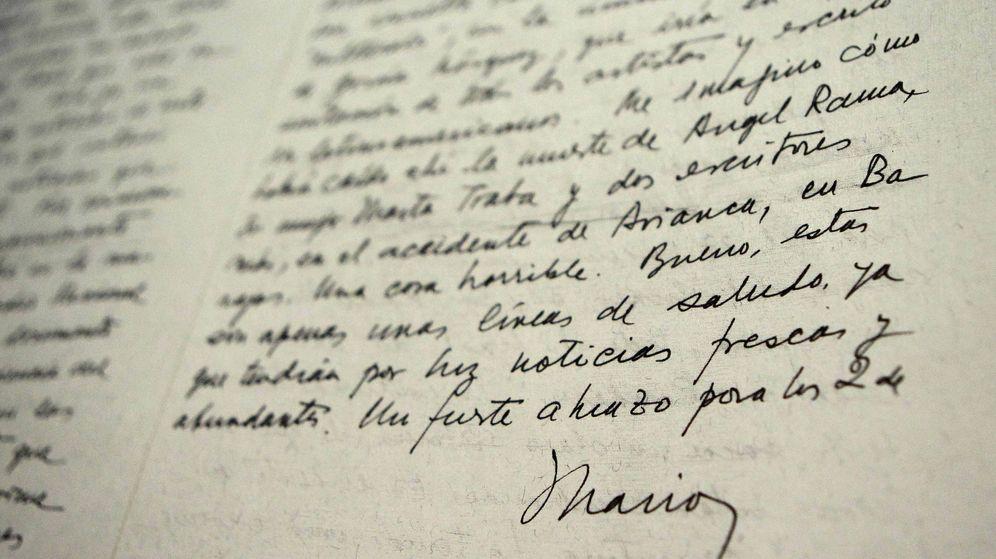 Foto: Cartas personales de Mario Benedetti subastadas (EFE)