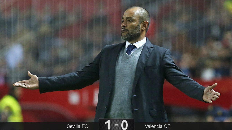 El Sevilla sentencia a un Nuno que ya había firmado su condena antes de jugar