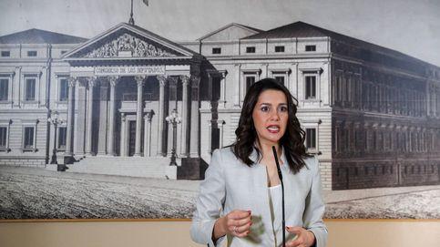 Arrimadas reprocha a Sánchez por premiar a Batet, 'defensora' del referéndum