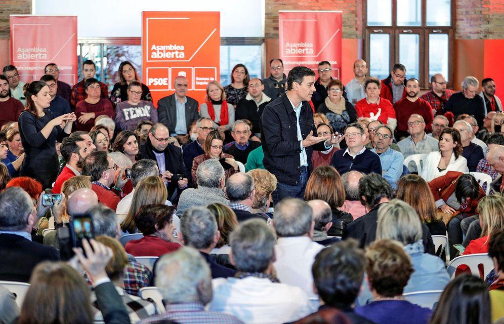 Foto: Pedro Sánchez, este 21 de enero en Valencia con Ximo Puig y la secretaria provincial valenciana, Mercedes Cabellero. (EFE)