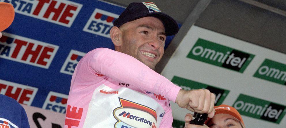 Foto: Pantani se vistió de rosa durante muchos días en aquel Giro, pero no pudo ganar (Imago).