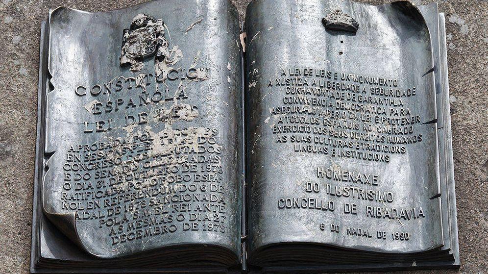 Foto: Homenaje a la Constitución Española en Ribadavia