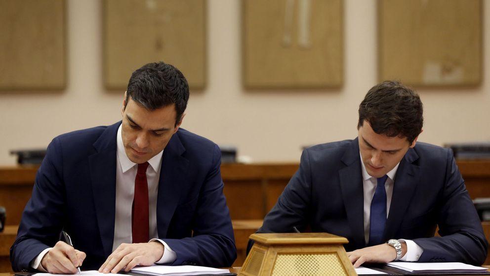 El PSOE aprovecha el pleno para exhibir su pacto con C's y presionar a Iglesias