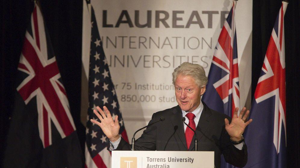 Foto: Bill Clinton, cuando ejercía de rector honorario, en una inauguración de Laureate. (EFE)