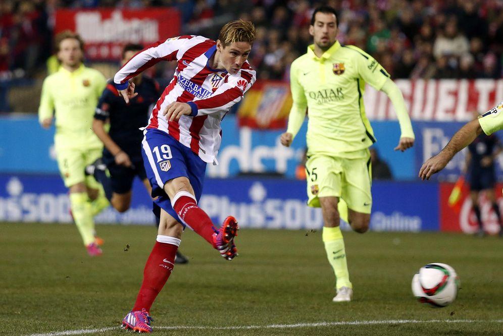 Foto: Torres marcó un gol al Barcelona en el partido de vuelta de la Copa del Rey disputado en el Calderón (Reuters)
