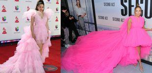 Post de Jennifer Lopez le copia el look a Rosalía